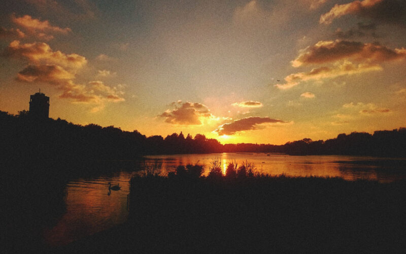 Por-do-sol em Hyde Park