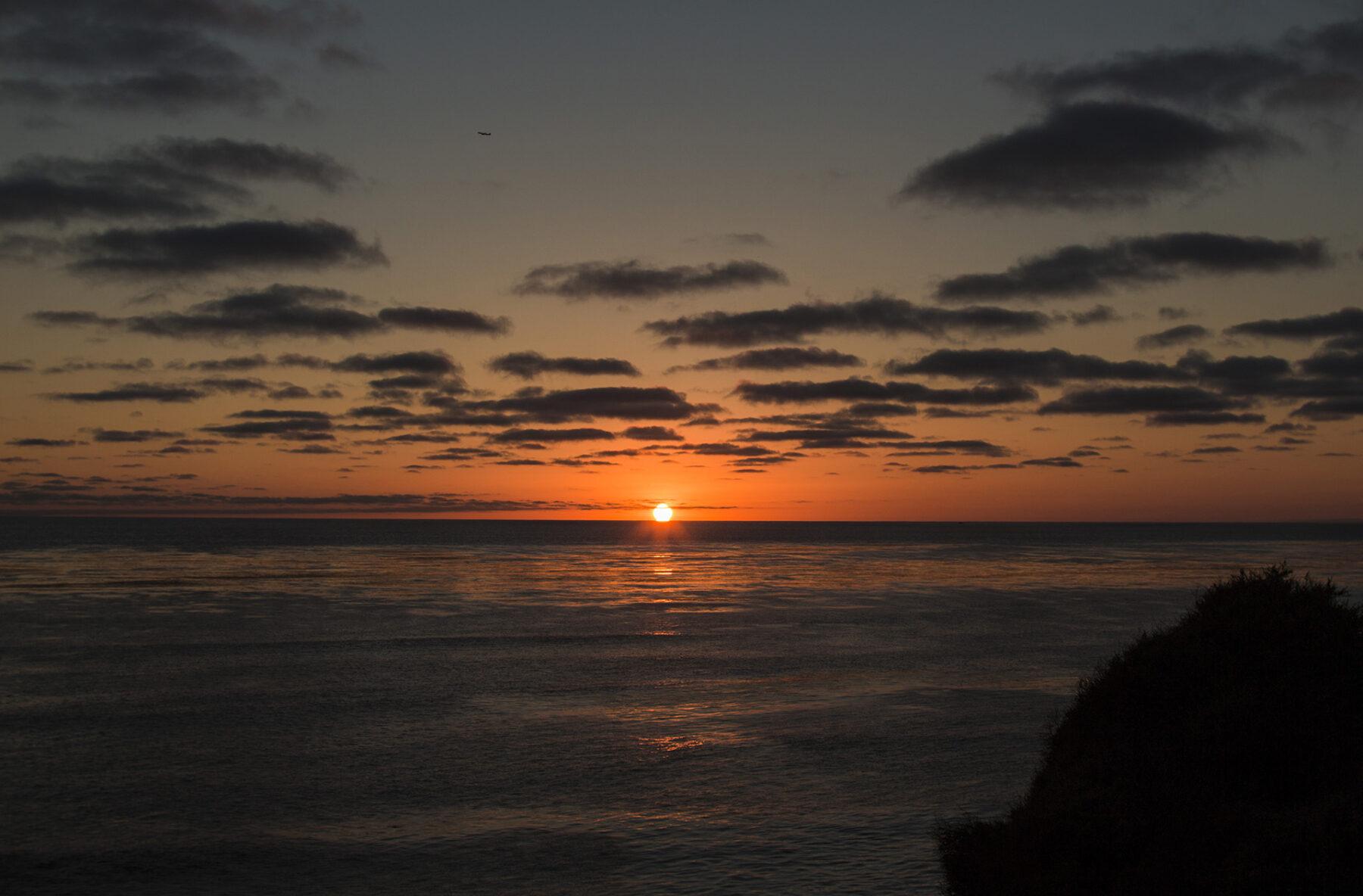 Por do sol no mar em Sunset Cliffs San Diego