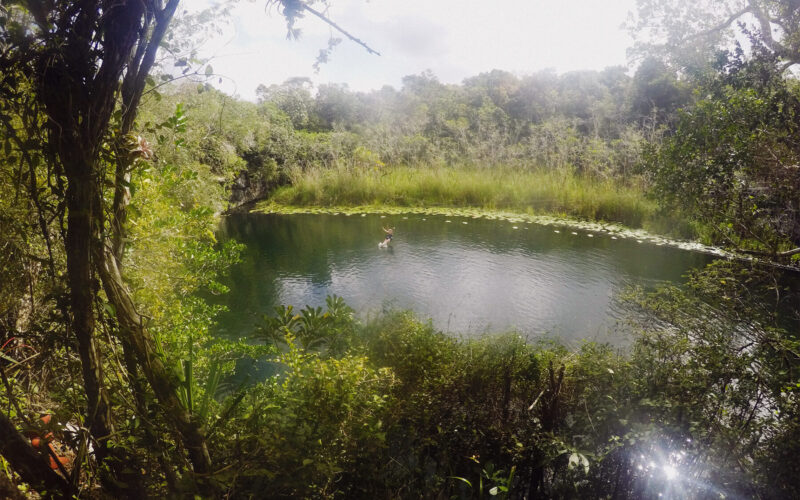 Iik` Cenote Aire