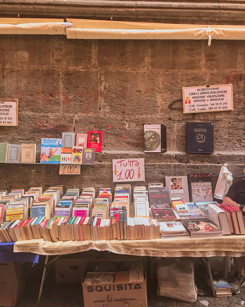 livros a venda na rua de napoles