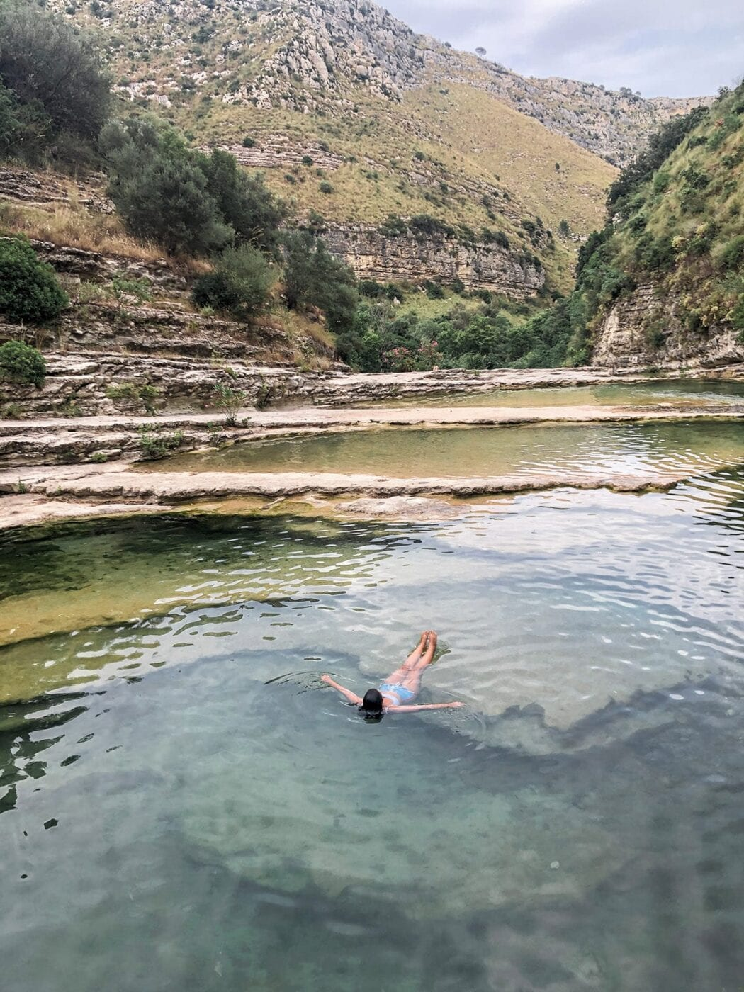 Laghetti di Cavagrande, a trilha que você precisa fazer em Avola, na Sicília.
